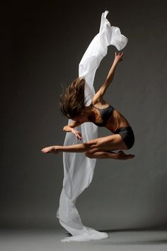 :: PHOTOGRAPHY :: Photo Credit by Christopher Peddecord. love the simple capture and adore the dynamic movement sculpture of a dancer's body - beautiful. It is amazing to see what the human body can do once trained. #photography