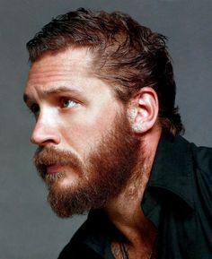 Tom Hardy... The ultimate BABE.