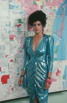 Miami Vice - Detective Gina Navarro Calabrese Real name. 1914 Fashion, Fashion History, Look Fashion, Fashion Tips, Fashion Bloggers, Fall Fashion, 80s Fashion Party, 1980s Fashion Trends, Club Fashion