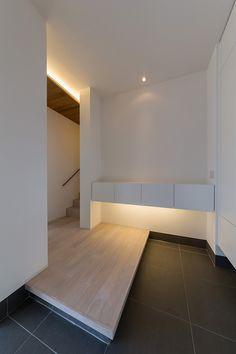 Japanese Interior Design, Modern Interior, Interior Exterior, Interior Architecture, Dream Home Design, House Design, House Entrance, Japanese House, Home Deco