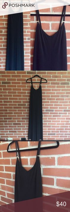 """Calvin Klein Black Maxi Dress NWT! Calvin Klein Black Maxi Dress  Size 8 Bust 35"""" Entire length shoulder to bottom 57.5""""  95% polyester, 5% spandex. Material has some stretch to it. Excellent Condition! Let me know if you have any questions! ✅ I LOVE OFFERS ✅ 💜INSTAGRAM: @ocaputostyle Calvin Klein Dresses Maxi"""