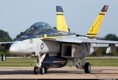 """Boeing F/A-18F Super Hornet 166661 / AC-100 (cn F139) GYPSY 21 of VFA-32 """"Swordsmen"""""""