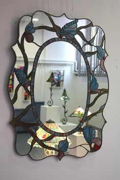 Iron design with Plating in mirror frame Stained Glass Frames, Stained Glass Designs, Stained Glass Projects, Stained Glass Patterns, Stained Glass Art, Mirror Mosaic, Mosaic Art, Mosaic Glass, Mirror Mirror