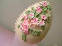this is made from white chocolate, but can be an inspiration for polymer clay (love the colors)
