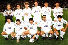 7 de enero de 1995. Formación inicial del Real Madrid que venció 5 - 0 al Barcelona en el Bernabéu. De pie, de izquierda a derecha: Buyo, Raúl, Laudrup, Hierro, Luis Enrique, Quique Flores. Agachados, en el mismo sentido: Lasa, Amavisca, Zamorano, Sanchís y Milla. Los goleadores fueron: Zamorano (3), Luis Enrique y Amavisca. Valdano era el entrenador