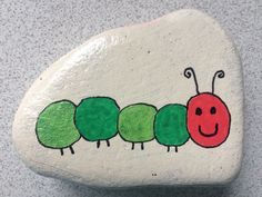Mandala Painted Rocks, Painted Rocks Craft, Hand Painted Rocks, Pebble Painting, Pebble Art, Stone Painting, Rock Painting Patterns, Rock Painting Designs, Stone Crafts