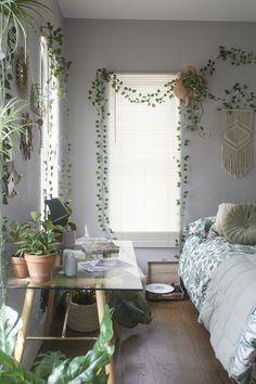 19 comfy beautiful bedroom designs for small room ideas 00003 - Home Inspiration - Room Ideas Bedroom, Home Bedroom, Green Bedroom Decor, Bedroom Plants Decor, Nature Bedroom, Bedroom Inspo, Plant Decor, Nature Home Decor, Boho Teen Bedroom