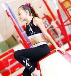 Brassières et leggings Startner Leggings, Sporty, Gym, Pants, Style, Fashion, Leotards, Trouser Pants, Swag