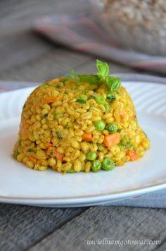 Kasza pęczak z warzywami High Protein Breakfast, Breakfast Menu, Whole Food Recipes, Healthy Recipes, Tasty, Yummy Food, Orzo, Fried Rice, Quinoa