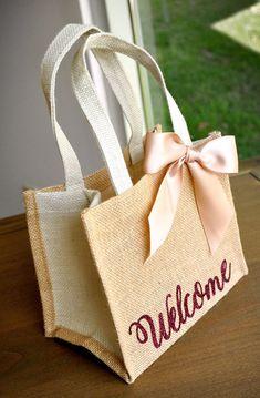 Welcome Gift Bags Wedding Guest Gift Bag Hotel on Wedding Ideas 7278 Burlap Gift Bags, Burlap Tote, Jute Bags, Wedding Gift Bags, Wedding Gifts For Guests, Wedding Welcome Bags, Wedding Favors, Wedding Souvenir, Diy Wedding