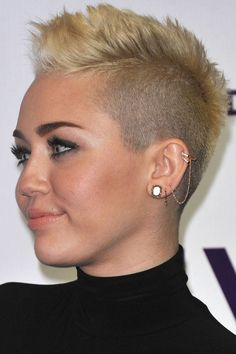 Idées Coupe cheveux Pour Femme  2017 / 2018   Top 40 des coiffures les plus chaudes pour les femmes