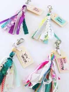 focus on geek life How To Make Tassels, How To Make Ribbon, Diy Ribbon, Diy Projects To Build, Diy Crafts To Sell, Easy Crafts, Cute Keychain, Tassel Keychain, How To Make Keychains