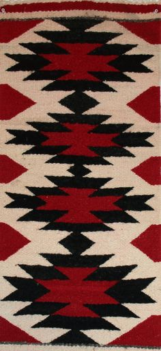 Navajo rugs serve not only as floor rugs but also as furniture covers and wall art in your tastefully decorated room.This handmade Native American rug and textile is truly work of art. Native American Blanket, Native American Rugs, Native American Patterns, Navajo Art, Navajo Rugs, Navajo Pattern, Navajo Weaving, Native Design, Decoration Originale