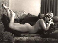 Burlesque. Odalisque.