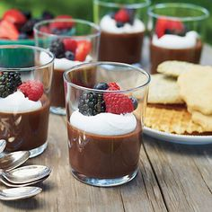 Easy Mocha Mousse and 21 other yummy Desserts for Entertaining Dessert Party, Easy Dinner Party Desserts, Dessert Cake Recipes, Party Snacks, Brownie Recipes, Small Desserts, Bite Size Desserts, Mini Desserts, Easy Desserts