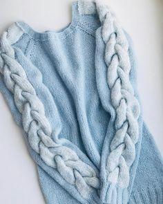 211 вподобань, 4 коментарів – Perm (@knitting_by_natalee) в Instagram: «Как же давно я любуюсь свитерами с косами @juli_egorova_knitting ,по её описанию связала себе такой…»