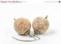ON SALE Winter Jewelry Felt Beaded Earrings Beige by DevikaFelt, €6.30 #etsyonsale #sale #salejewelry #jewelryonsale