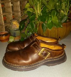 BORN BROWN LEATHER CLOGS MULES SLIDES HARNESS STRAP FESTIVAL SHOES HIPPIE 7 M 38 #BORN #Clogs