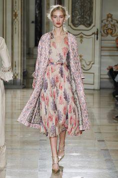 Luisa Beccaria Spring 2016 Ready-to-Wear Fashion Show