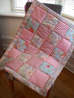 super ideas for patchwork quilt baby girl sew Quilt Baby, Baby Quilts Easy, Baby Patchwork Quilt, Cot Quilt, Patchwork Quilt Patterns, Baby Girl Quilts, Girls Quilts, Pink Quilts, Quilting Patterns