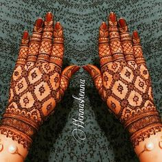 Pretty Henna Designs, Back Hand Mehndi Designs, Latest Bridal Mehndi Designs, Full Hand Mehndi Designs, Henna Art Designs, Mehndi Designs 2018, Mehndi Designs For Beginners, Mehndi Designs For Girls, Mehndi Design Photos