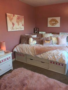 Cute Bedroom Ideas, Cute Room Decor, Room Ideas Bedroom, Teen Room Decor, Small Room Bedroom, Girls Bedroom, Bedroom Decor, 1980s Bedroom, Bedrooms