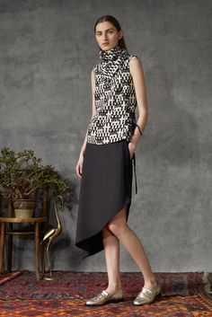 Osman Pre-Fall 2015 - Cool outfit for a YangN woman that sends a very chic, urbane, and intelligent message. I expect her to tell me about an interesting book she's just read, or where to get the best coffee. Hip but not a hippie. (Not that there's anything wrong with the latter, but it's the image many women have of a Natural)