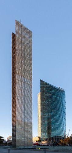 Estela de Luz y Torre Mayor, México D.F., México #creative #inspiration…