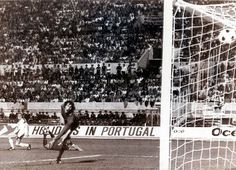 Goal - Alan Simonsen 1-1