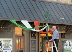 Jimmy the owner of Steinbecks bar in Oakhurst getting ready for St. Patricks day this year Ga Usa, Georgia Usa, Decatur Georgia, Atlanta City, Crazy Girls, Bar