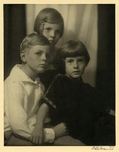 Black and white photograph of the children of Mr. and Mrs. W. Caldwell, 1926
