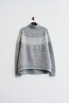 Crochet Patterns Sweter Ravelry: Monochrome sweater pattern by Katrin Schneider Fair Isle Knitting, Hand Knitting, Knitting Patterns, Crochet Patterns, Knitting Projects, How To Purl Knit, Pulls, Ravelry, Knitwear