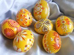 Slovak Easter eggs or Kraslice Polish Folk Art, Egg Tree, About Easter, Incredible Edibles, Egg Decorating, Egg Shells, Easter Crafts, Easter Eggs, Arts And Crafts