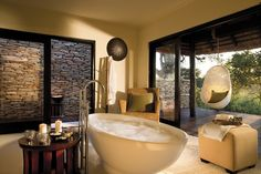 Chalkley Treehouse - Picture of Lion Sands River Lodge, Sabi Sand Game Reserve - Tripadvisor Game Reserve South Africa, Sand Game, Outdoor Bathtub, Outdoor Bathrooms, Game Lodge, River Lodge, River Camp, Sleeping Under The Stars, Luxury Accommodation
