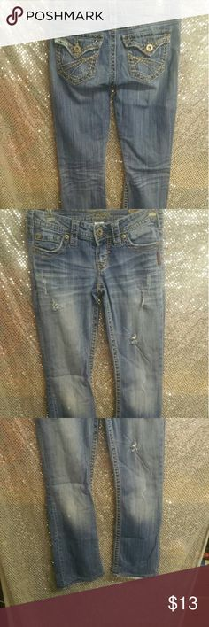 Silver jeans pioneer bootcut mid rise sz 25/33 L Pre loved a Lil bit but not much these retail for 99.99 n most NC stores get a good deal with me .. Silver Jeans Jeans Boot Cut