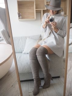 overknee boots heather grey kashmir sweater hat fall winter fashion Lene Orvik