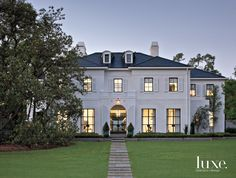 A Contemporary Houston Residence with a RegencyStyle Exterior is part of - The close relationship between an architect and his client results in a glamorous Houston residence with razorsharp refinement Exterior Design, Interior And Exterior, French Exterior, Rustic Exterior, Craftsman Exterior, Architecture Design, Contemporary Architecture, French Country Style, Facade House