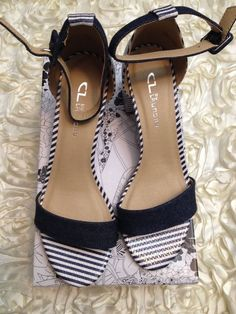 7118eafdfbc168 CL by Laundry Women s Size 9.5 Sandals Dark Navy Striped New In Box  fashion