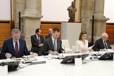 Los Reyes Felipe y Letizia, junto al ministro de Educación, Cultura y Deporte en funciones y el presidente del Real Patronato del Museo Nacional del Prado, durante la reunión. Museo Nacional del Prado. Madrid, 16.02.2016