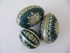 Types Of Eggs, Egg Shell Art, Cute Easter Bunny, Ukrainian Easter Eggs, Plastic Eggs, Dot Art Painting, African Tribes, Crafts Beautiful, Egg Art