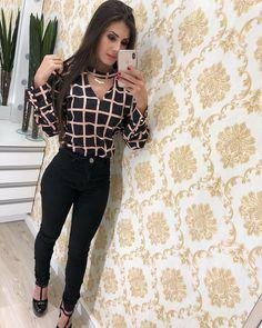 Chegou Novidades 😍 Casual Work Outfits, Business Casual Outfits, Professional Outfits, Trendy Outfits, Work Attire, Cool Outfits, Fashion Outfits, Womens Fashion, Work Fashion