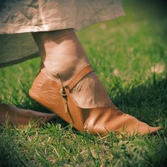 Einen Keltischen Herzknoten knüpfen - Battle-Merchant Blog Tricks, Battle, Boots, Fashion, Diy Necklace, Jewelry Making, Diys, Celtic Knot Jewelry, Celtic Knots