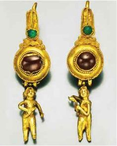 A pair of gold earrings from around 150 b.c.e. Usually only the wealthiest in Greek society could afford to wear gold jewelry.