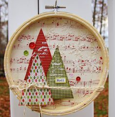 Embroidery Ideas 22 Easy yet Creative Embroidery Hoop Art Ideas to Decorate Your Home - Decorating on a tight budget? Then try these creative embroidery hoop art ideas that are actually quite easy and inexpensive to create. Noel Christmas, Diy Christmas Ornaments, Homemade Christmas, Christmas Projects, All Things Christmas, Holiday Crafts, Christmas Wreaths, Christmas Decorations, Simple Christmas