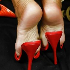 Red mules, popped heels, and great feet Sexy Legs And Heels, Hot High Heels, Feet Soles, Women's Feet, Gorgeous Feet, Beautiful Legs, Red Stiletto Heels, Stilettos, Mode Shoes