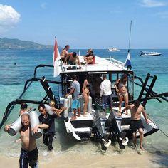 Just back from an amazing dive ! Ready for the next one ?!👌🏼 #giliair #giliislands #lombok #bali #indonesia #7seasdivegili #diving #scubadiving #padicourses #padi #instadive #paditv #marinelife #travel #holidays #discoverscubadiving #sea #sealovers #ocean #oceanlovers #instapic #instaholiday #instadive #instatravel #enjoyinglife #asia #divingasia #divingindonesia #diver #wanderlust