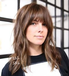 Messy Medium Hairstyle With Bangs # Hairstyles with bangs 60 Most Universal Modern Shag Haircut Solutions Medium Textured Hair, Bangs With Medium Hair, Mid Length Hair With Bangs, Red Hair Bangs, Messy Bangs, Thick Bangs, Cut Bangs, Layered Hair With Bangs, Bangs Hairstyle