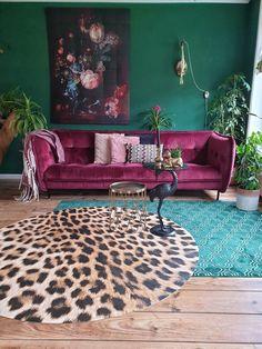 Kleur interieur inspiratie woonkamer bank eclectisch donker groen roze ixxi velvet dutchbone panter colour interior inspiration green pink livingroom sofa eclectic