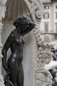 ❤ - Loggia dei Lanzi: Perseus, The Pedestal Il. Benvenuto Cellini - Bronze statuette,1545/1554. Loggia dei Lanzi, Firenzi, Italy.