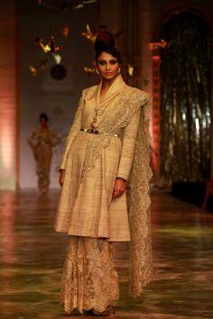 "Model walking on the ramp showcasing Neeta Lulla's ""The Bridal Goddess"" collection at the Amby Valley India Bridal Fashion Week. #Fashion #Style #Beauty #Bollywood"